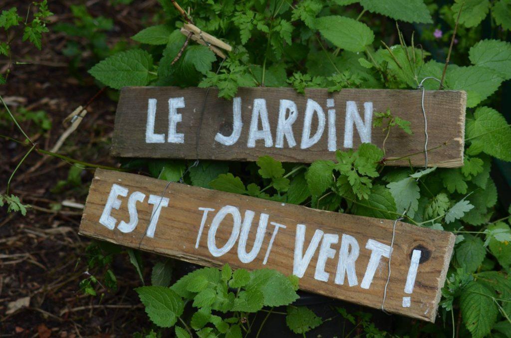 Le jardin est tout vert (2016)